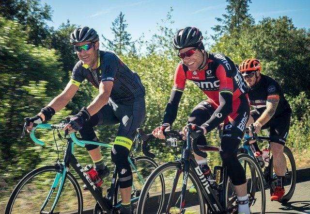 קסדות אופניים למבוגרים